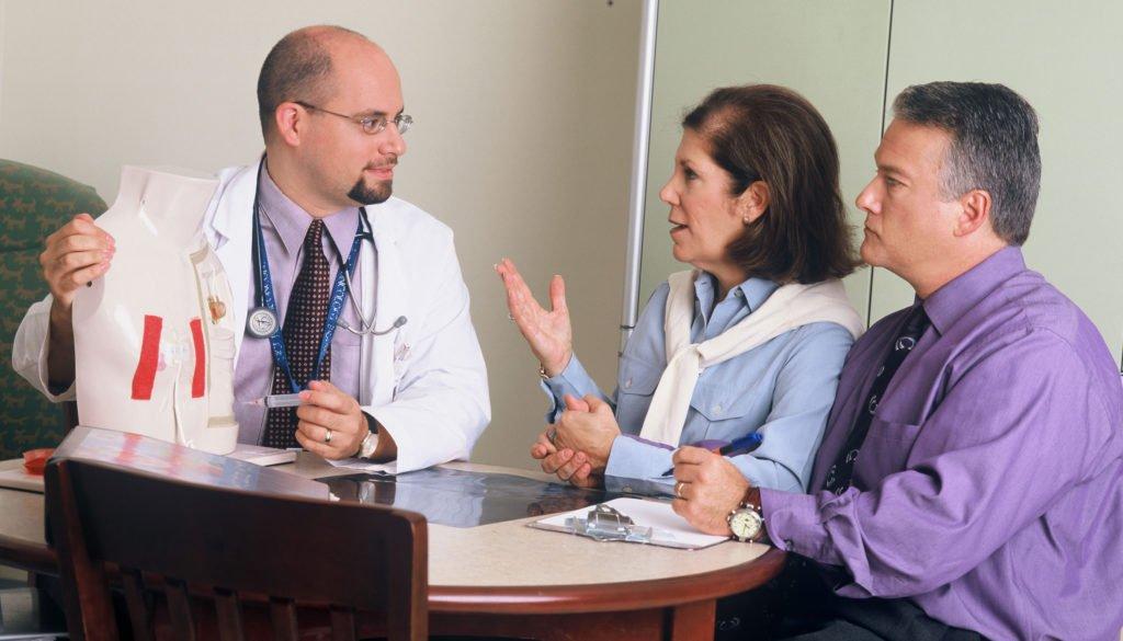 Docteur avec patients